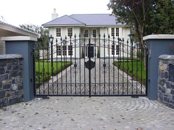 The Perfect Set Of Entrance Gates For Your Home
