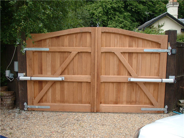 Hardwood Gates Are More Preferable