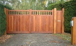 Hardwood Gates Amrilio photo 002